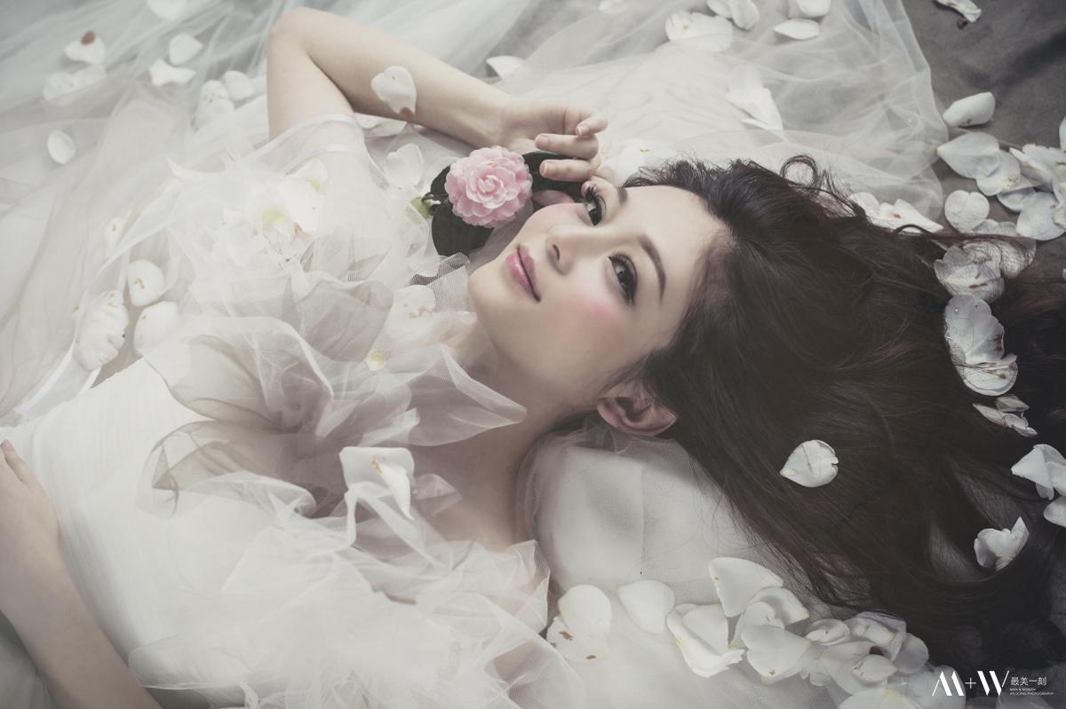 自助婚紗,自主婚紗,歐美風格,婚紗攝影,新秘,陽明山,黑森林,蕾絲白紗,食尚曼谷,內湖婚紗